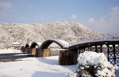 錦帯橋の雪景色 Kintaikyo Bridge in the snow